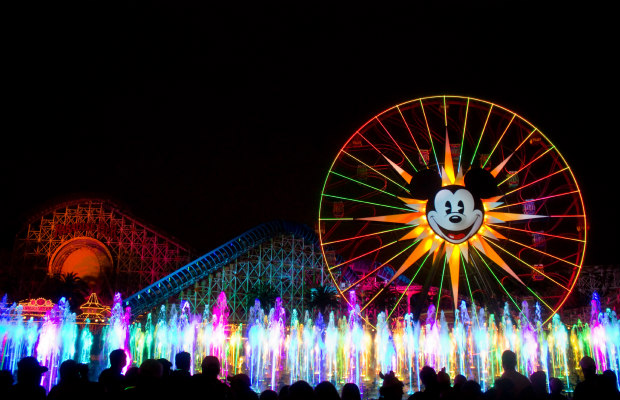 6 Tips to Save Big Bucks at Disneyland