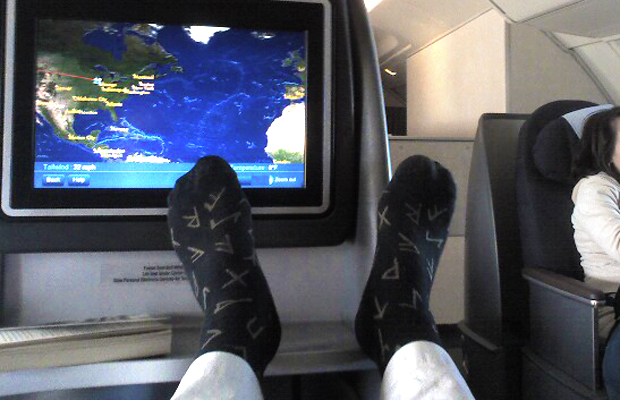 6 Tips for Comfortable Feet on Long Flights