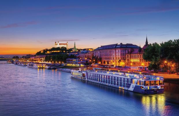 10 Major Differences Between River & Ocean Cruises