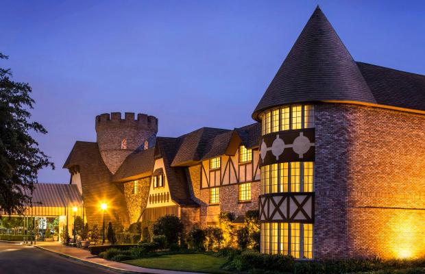 Checking In: Anaheim Majestic Garden Hotel