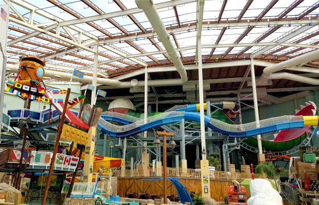 Dive In Splashtastic Indoor Waterparks In The Poconos