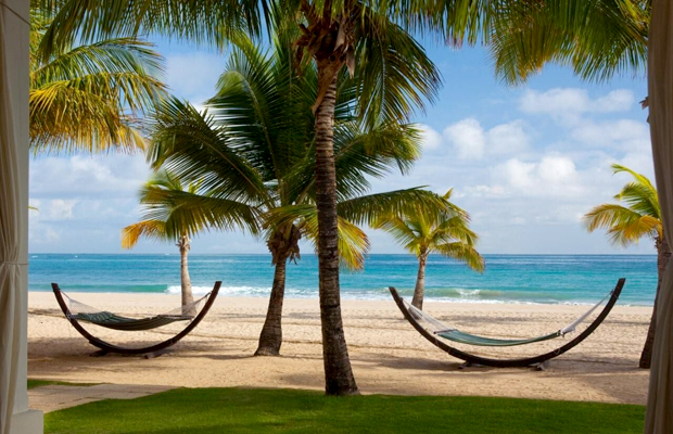 Checking In: A High-End Beach on a Budget in Puerto Rico's Isla Verde