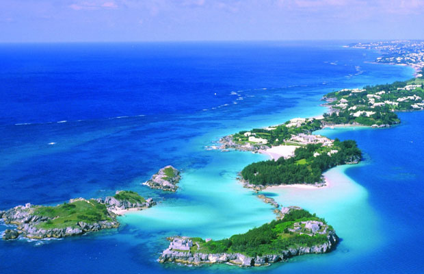 $100+: Fly to Bermuda from New York (one way)