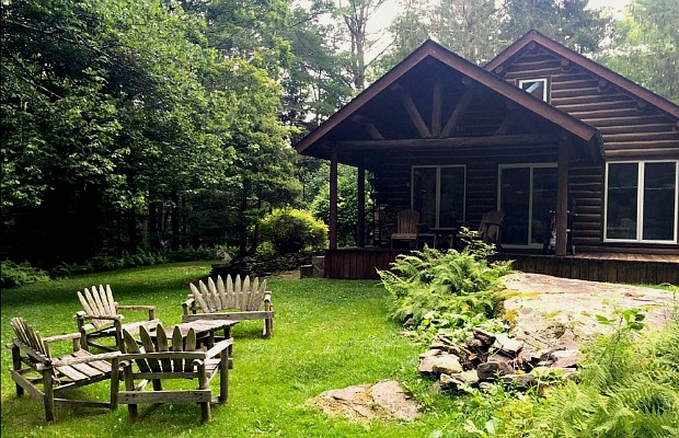 Go Rustic: 7 Beautiful Cabins That You Can Rent