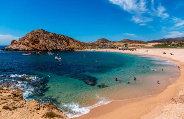 5 Free Beaches in Los Cabos (Where You Can Actually Swim)