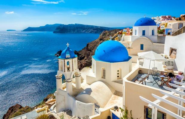 5 Ways to Save in Santorini