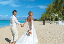 Cayman Airways Offers Great Rates for Destination Weddings