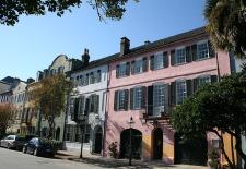 $450+: Charleston Inn w/Golf Passes & $125 Dining Voucher