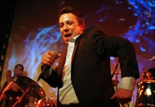 Soulful Cuban Singer Heats up New York City – Exclusive Deal on Tickets