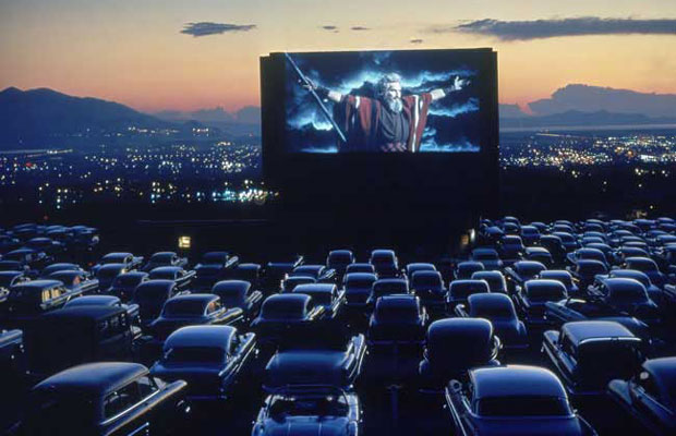 9 Nostalgic Drive-In Movie Theaters Across the U.S.