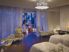 New Palm Beach Hotels & Spas Attract a Younger Crowd