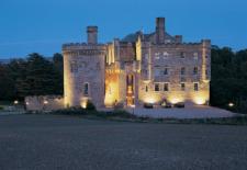Plan Ahead: Edinburgh Fringe Fest - 2-Nt Castle Stay w/Tix from $879