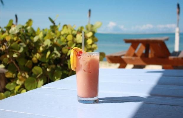 5 Must-Visit Bars in the British Virgin Islands