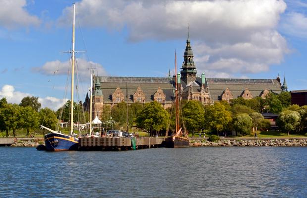 Day Trip from Stockholm: Fjäderholmarna Island