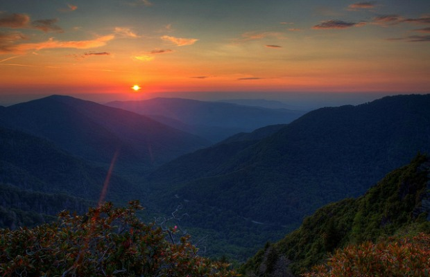 Easy Southern Escapes: Gatlinburg, Tennessee (Beyond Dollywood)