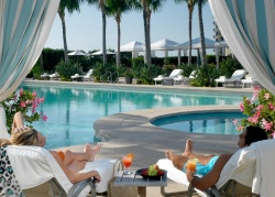 Free Nights at Four Seasons This Summer