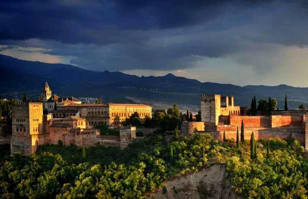 You Say Grenada, I Say Granada: 8 Pairs of Cities that Sound Alike, but Are Totally Different