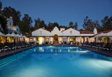 $262.50+: Southern California Hotel w/Daily Breakfast & More