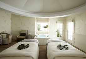 LA Spas Offer Pampering With a View