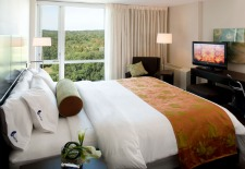 $149+: Boston Hotel w/Breakfast, Bottle of Wine  & More