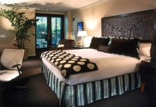 $111/Nt: San Diego 4-Star Hotel in Gaslamp District