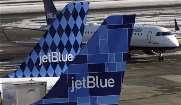 JetBlue Promises Refunds to Laid-Off Workers