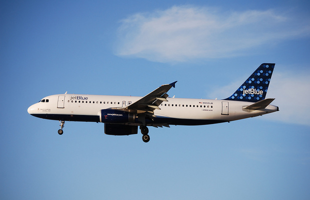 JetBlue to Charge for Checked Bags, Add More Seats