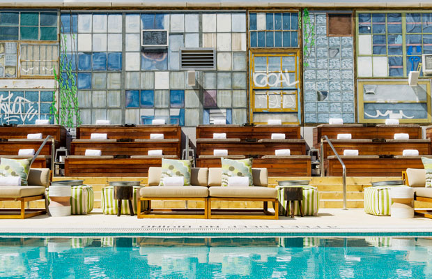 5 Rooftop Pools in NYC (And How To Get In)