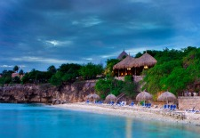 $130+: Cyber Monday Special at Curacao Hotels w/Free Nt