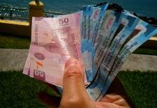 Mexico Law Caps U.S. Dollar Spending