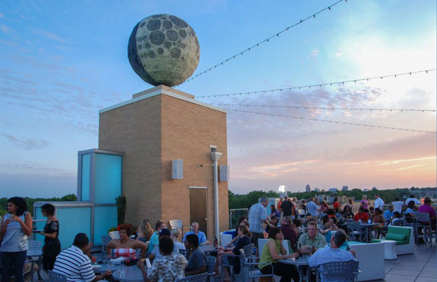 10 Spots for Great Views & Great Eats