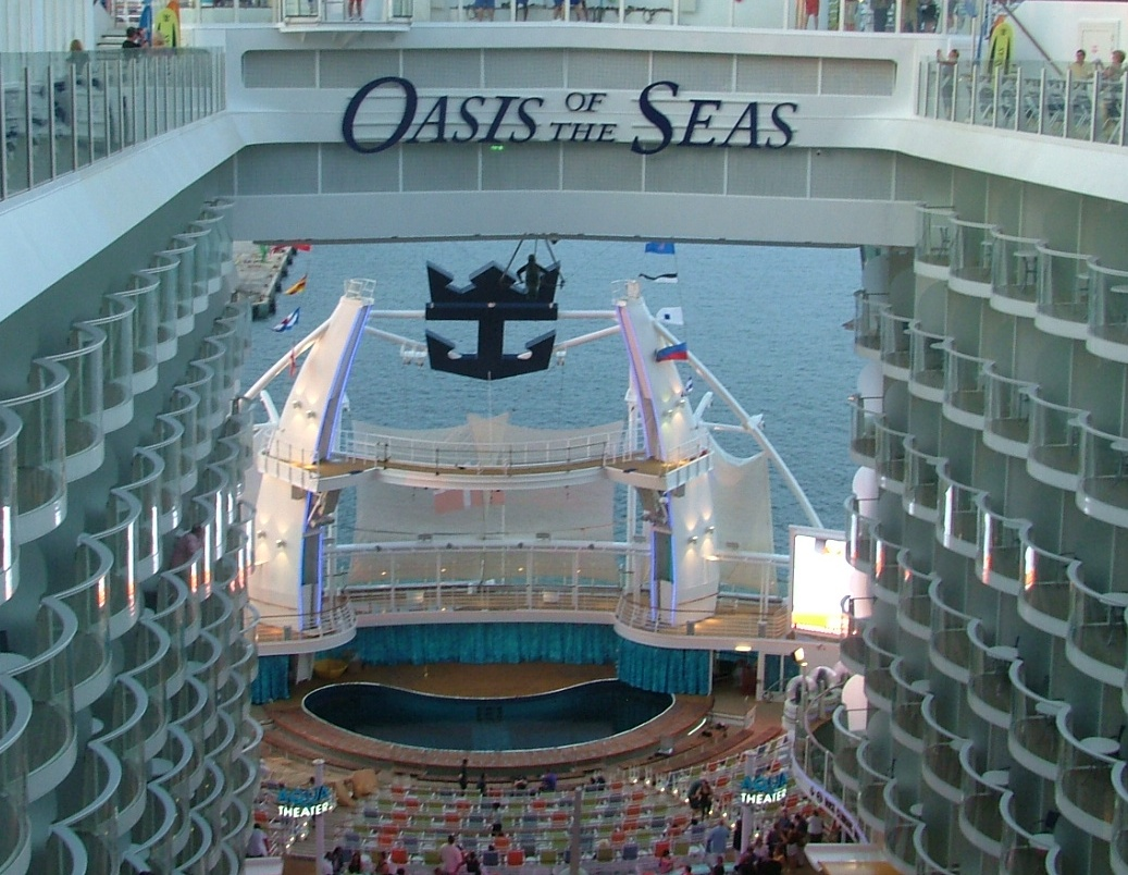 A Look Inside Oasis and Its Fabulous Entertainment