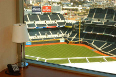 San Diego Hotel w/Padres Tix & Breakfast from $269/Nt