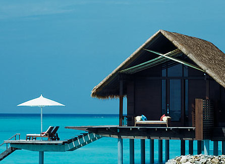 10 Tips for Finding the Ultimate Honeymoon Suite