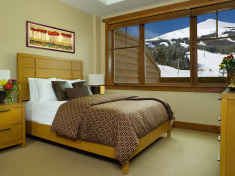 Breckenridge Luxury Slope-Side Resort w/Breakfast from $150/Nt