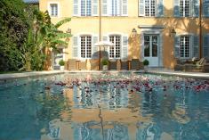 Posh Pan Deï Palais in St Tropez for Less