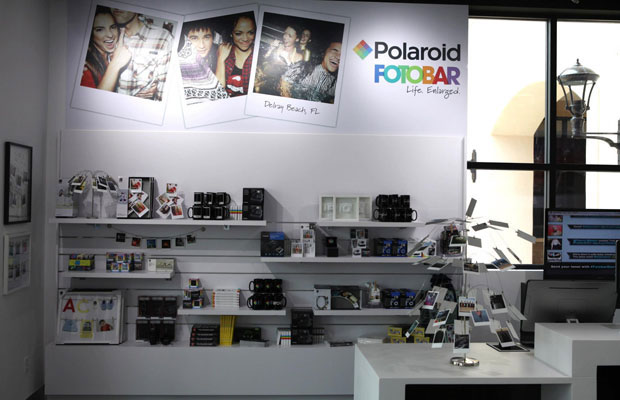 Polaroid Hopes to Revive the Tangible Photo with Fotobar