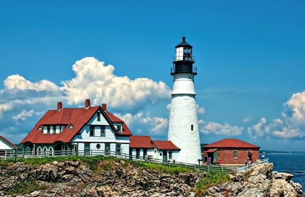 Slideshow: 13 Scenic Lighthouses in America