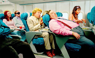 10 People to Avoid on Airplanes