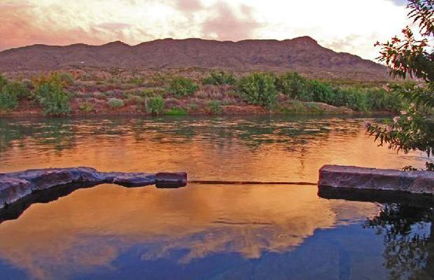 4 U.S. Hot Springs Destinations for all Budgets
