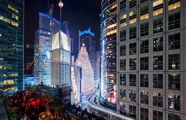 6 Over-the-Top New Year's Eve Experiences
