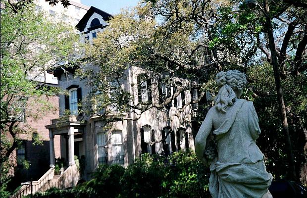 New Flights, New Hotels: Reasons to Visit Savannah this Spring