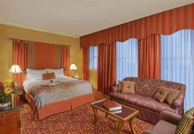 $525+: Seattle: 3-Nt Weekend at 4-Star Hotel, Save $130