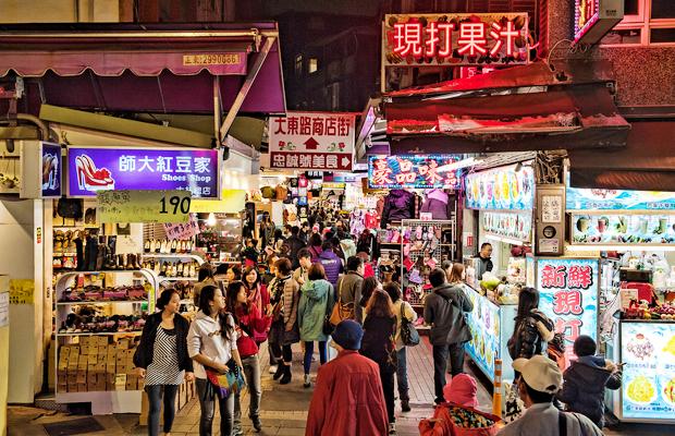 5 Great Night Markets Around the World