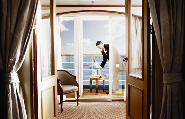 Aboard a Luxury Caribbean Cruise: What to Expect