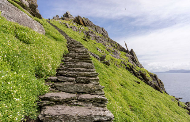 37,370 Steps Around the World for Travelers to Climb