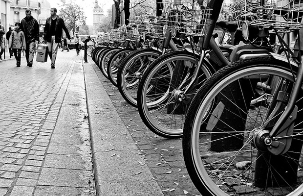 Rent a Bike in Paris: Everything You Need to Know