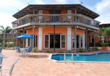 $105+: 2-for-1 Rates at Sunrise Resort & Marina in Bahamas