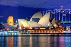 Qantas Lowers Round-Trip Fares to Australia