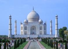 India 9-Day Tour w/Taj Mahal Visit & Air from $1,099